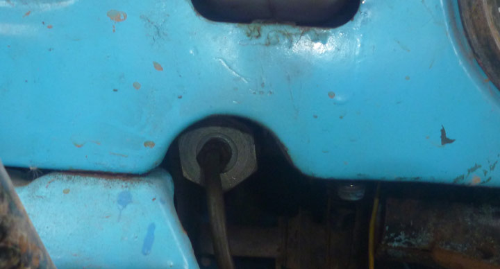 открутить трубку на рабочий цилиндр можно в конце
